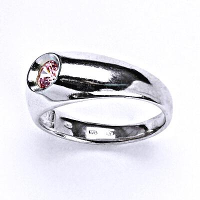 Stříbrný prsten s růžovým zirkonem , zásnubní, T 1418