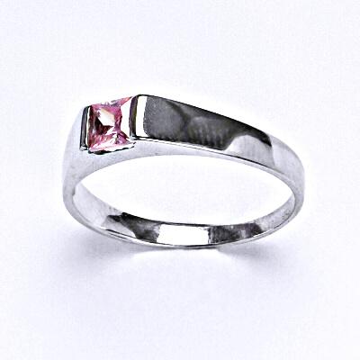 Stříbrný prsten se syntetickým růžovým zirkonem,prsten ze stříbra,T 1442