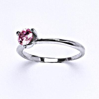 Stříbrný prsten se syntetickým růžovým zirkonem,prsten ze stříbra, T 1458