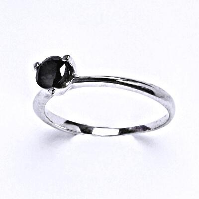 Stříbrný prsten se syntetickým černým zirkonem,prsten ze stříbra, T 1458