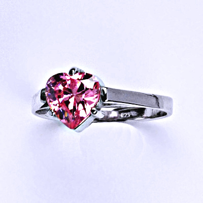 Stříbrný prsten s růžovým zirkonem, srdce stříbrný prstýnek T 1081