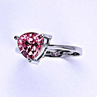 Stříbrný prsten s růžovým zirkonem 8x8 mm, T 1281