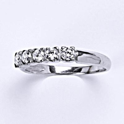 Stříbrný prsten s čirými zirkony, zásnubní, T 1392