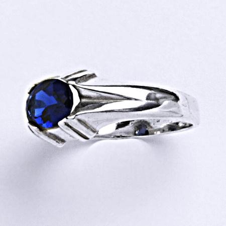 Stříbrný prsten prsten se spinelem 8x6 mm, T 1089 S
