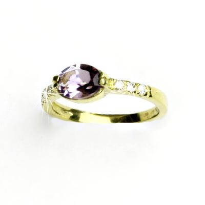 Zlatý prsten,čiré zirkony a přírodní světlý ametyst, žluté zlato, VR 237
