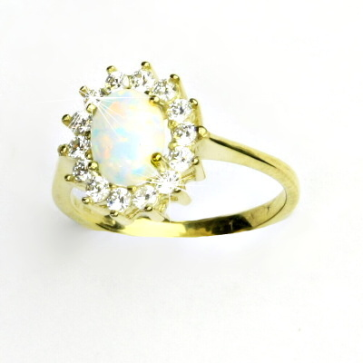 Zlatý prsten, žluté zlato,Kate, syntetický bílý opál, čiré zirkony, T 1507