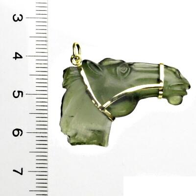 Přírodní vltavín, žluté zlato, vltavínový přívěsek, glyptika, kůň, 5,44 g