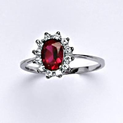 Zlatý prsten Kate, syntetický rubín, čiré zirkony, bílé zlato, T 1480