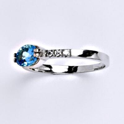 Zlatý prsten,přírodní topaz, bílé zlato 14 ct, váha 2,20 g VR 237