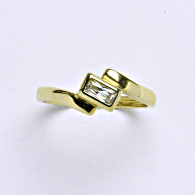 Prsten žluté zlato 2,23 g 14 karátů vel.52