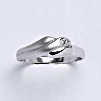 Prsten bílé zlato 2,15 g 14 karátů vel.56