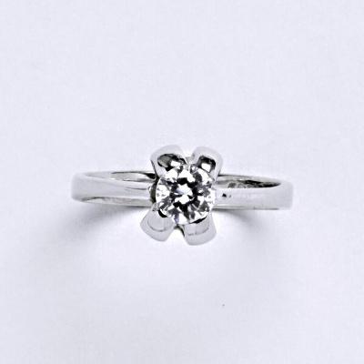Prsten bílé zlato 2,96 g 14 karátů vel.53