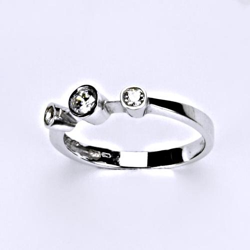 Zlatý prsten se zirkony, bílé zlato, šperky zlaté VR 276