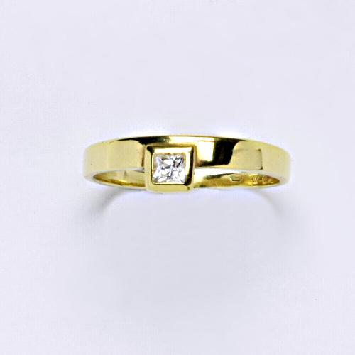 Zlatý prsten 1,78 g žluté zlato 14 karátů