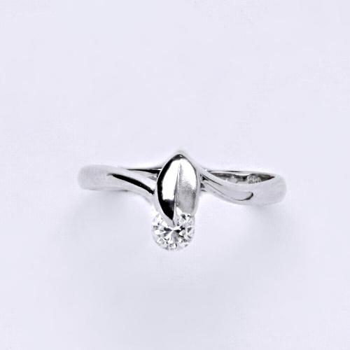Zlatý prsten 1,98 g bílé zlato 14 karátů