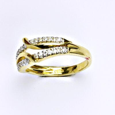Prsten ze žlutého zlata 14 karátů, syntetický zirkon, váha 2,91 g, vel.52.